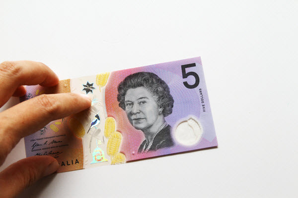 Australian 5 dollar banknote